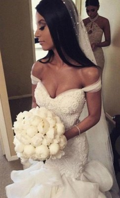 Glamorous Off-the-Shoulder Ruffles Train Mermaid Wedding Dresses_4