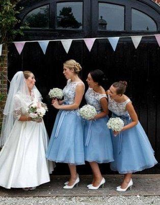 Scoop-neckline A-line Lace Tea-length Sashes Bridesmaid Dress_4