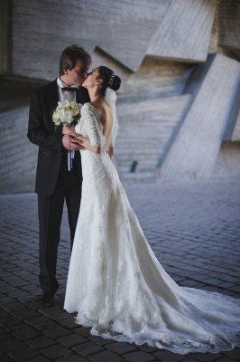 Train Stunning Lace Open-Back Half-sleeve Wedding Dress_3
