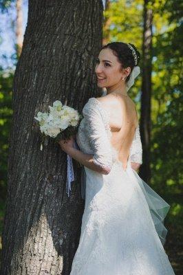 Train Stunning Lace Open-Back Half-sleeve Wedding Dress_4