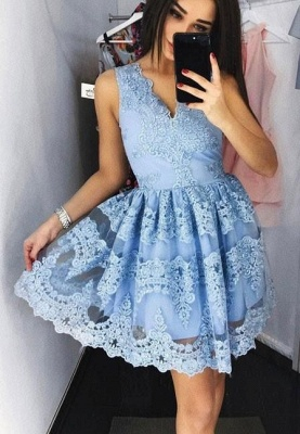Sweet Blue Lace Homecoming Dresses V-Neck Sleeveless Short Prom Dresses_1