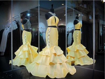 Crystals Mermaid Ruffles Sleeveless Halter Yellow Gorgeous Zipper Evening Gown_4