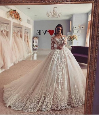 Unique Jewel Long Sleeve Ball Gown Lace Wedding Dress_2
