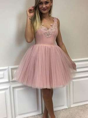 Short Cute A-line Pink Lace-Appliques Homecoming Dresses_2