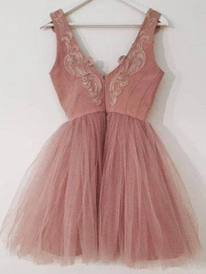 Short Cute A-line Pink Lace-Appliques Homecoming Dresses_3