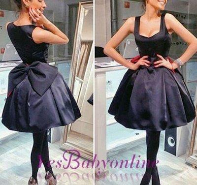 Short Square-Neck Vintage Bowknot Little-Black Dresses_1