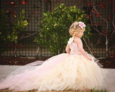 Lovely Sleeveless Tulle Flower Girl Dress With Long Train And Flowers_3