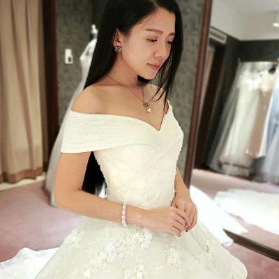 Princess Off-the-Shoulder Floor-Length Ruffles Glamorous Lace Wedding Dress_4