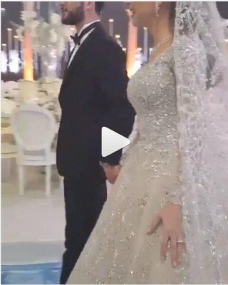 Round Neck Ball Gown Crystal Wedding Dresses with Long Sleeves_3