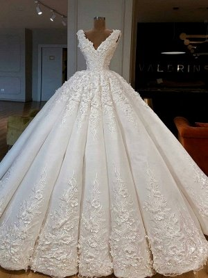 Charming Lace Appliques Ball Gown Wedding Dresses | Gorgeous V-Neck Sleeveless Bridal Gowns_1