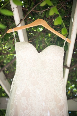 Appliques Simple Mesh Sweetheart Glamorous Backless Wedding Dresses_5