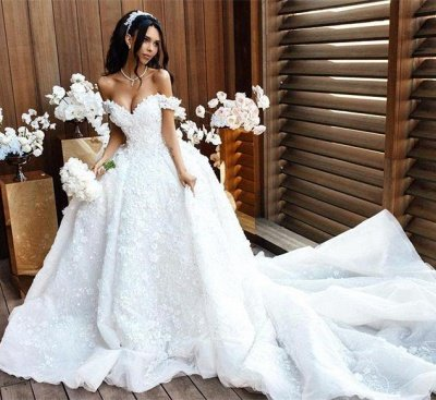 Gorgeous Off the Shoulder Sweetheart Court Train Ball Gown Wedding Dresses with Appliques_3