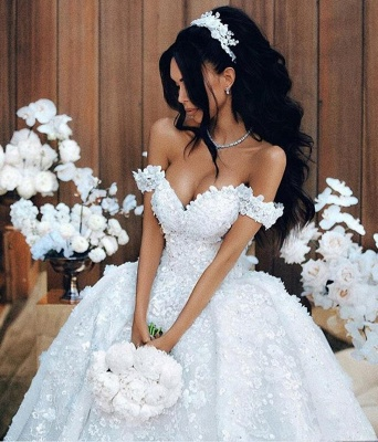 Gorgeous Off the Shoulder Sweetheart Court Train Ball Gown Wedding Dresses with Appliques_1