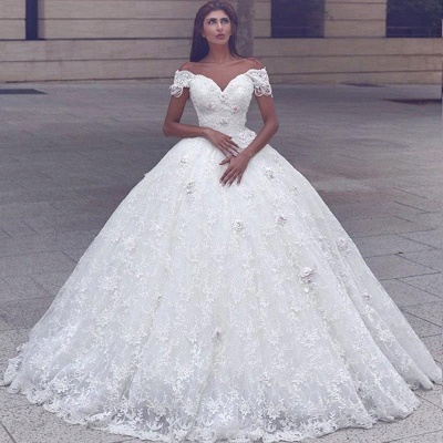 Glamorous Ball Gown Lace Short Sleeves Puffy Wedding Dresses_3