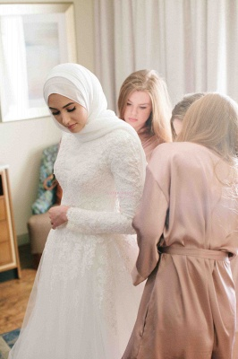 Layers Tulle Long Sleevess Muslim Lace High-Neck Applique Wedding Dresses_3