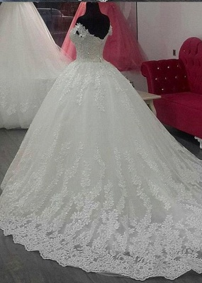 Glamorous A-Line Off-the-Shoulder Lace Applique Wedding Dress_3