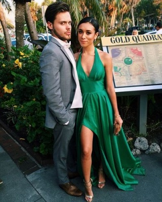 Sexy Green Prom Dresses A-Line Side Slit Halter V-Neck Party Dresses_3