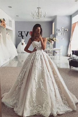 Strapless Sweetheart Lace Appliques Ball Gown Wedding Dresses_1