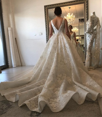 Straps V-neck Lace Appliques Puffy Wedding Dresses with Cut-outs_2