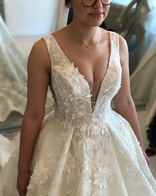 Straps V-neck Lace Appliques Puffy Wedding Dresses with Cut-outs_3