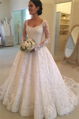 Glamorous  Puffy Buttons Court-Train Long Sleeves Squared Lace Wedding Dress_2