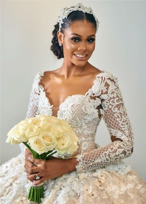 Gorgeous Sweetheart Long Sleeve Lace Beading Ball Gown Wedding Dresses With Feathers_3