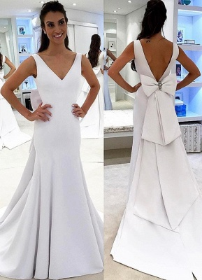 Simple V-neck Backless White A-line Chic Wedding Dress_2