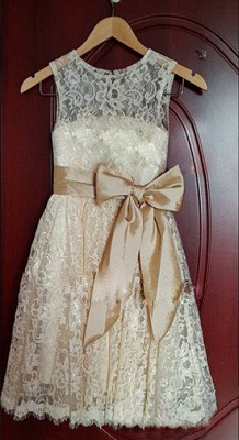 Lovely Short Lace Flower Girl Dress with Bowknot_1