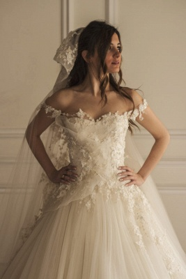 Beautiful Appliques Lace Off-the-shoulder Tulle Wedding Dress_2